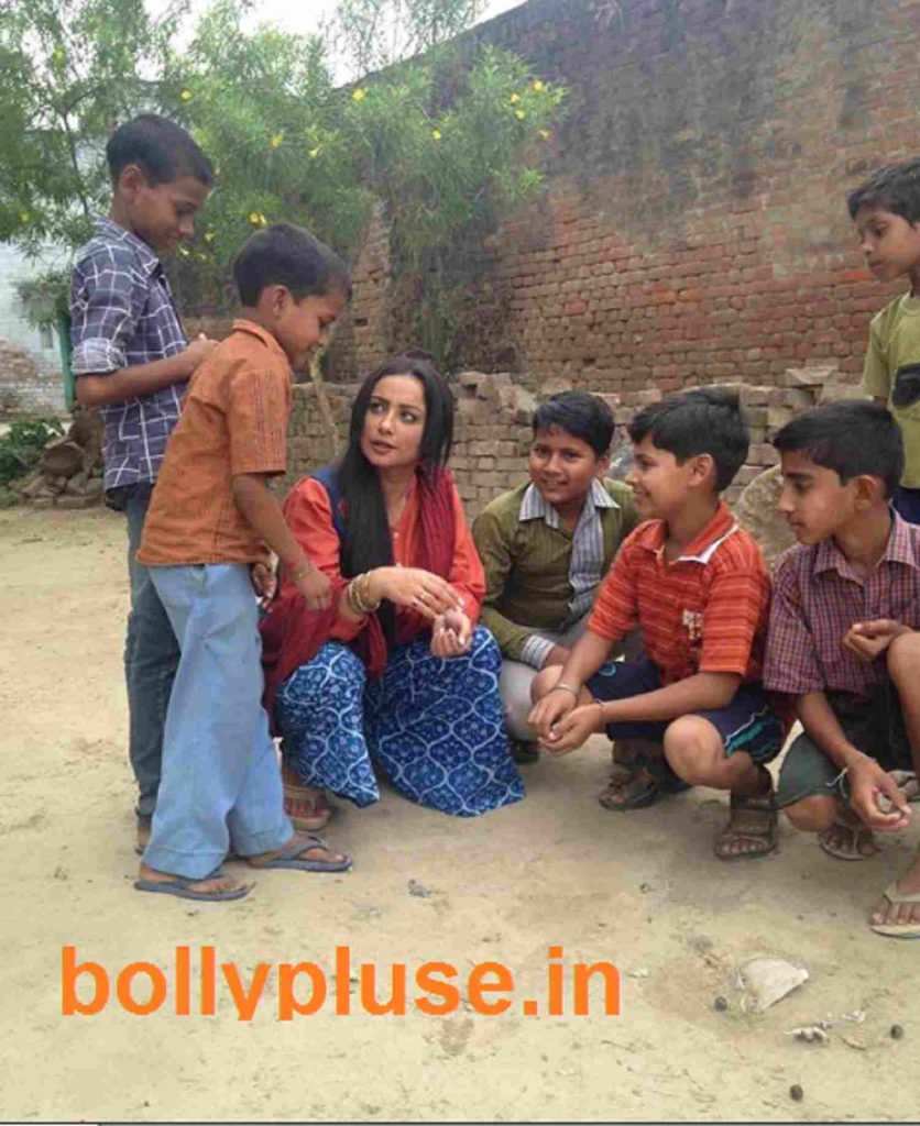 divya dutta play marbbles with kids